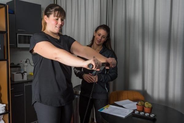 Bewegingsplein_ABRT_web- Wegen en meten_ begeleiding bij strakker lichaam_voeding en sport choach