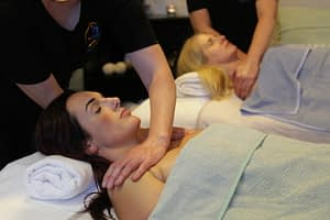 samen met vriendin massage