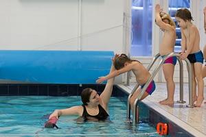 Zwemmen zwemles 1ste sticker a diploma 3 meter onder water zwemmen