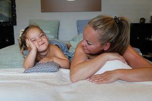 Duo Massage ouder kind, moeder dochter, mama peuter