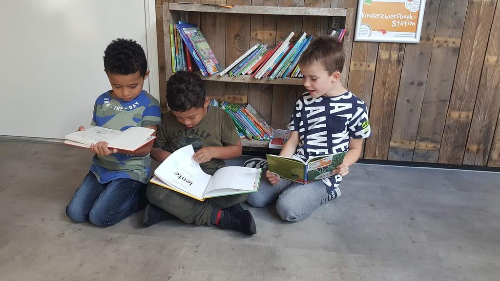 Kinderzwerfboek hoek Vlissingen koudekerke