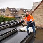 zonnepanelen monteur