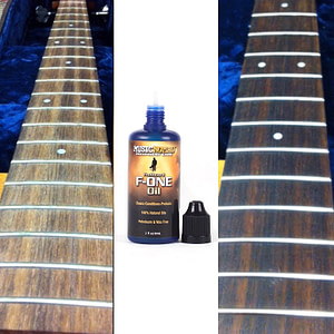 Music Nomad Fretboard F-One Oil cleaner & conditioner 1