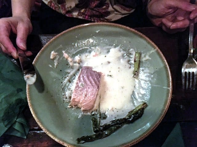 Zalm van de grill met witte wijn saus